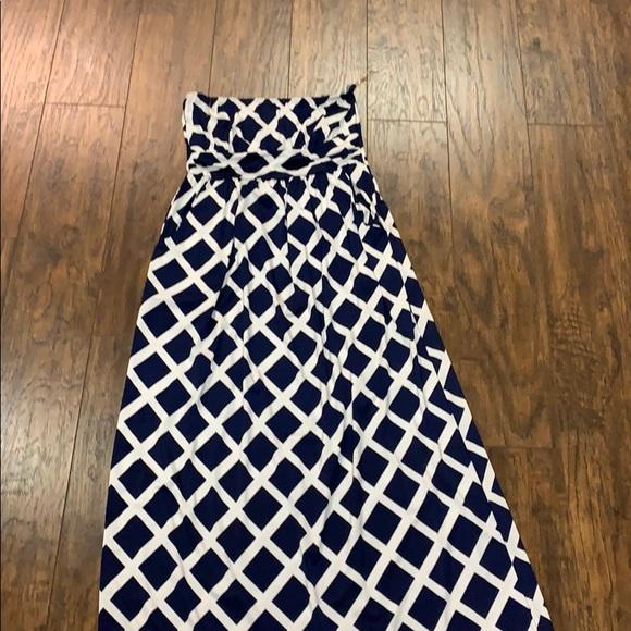 Loila Dresses & Skirts - Strapless Maxi